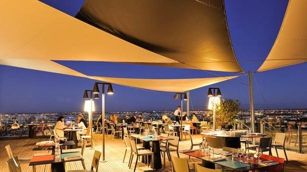 Restaurant original avec vue exceptionnelle sur lyon rhône