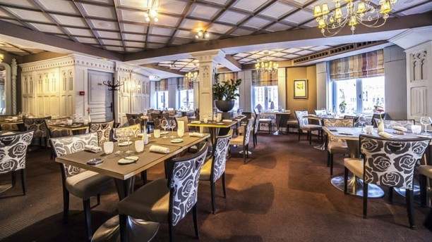 restaurant romantique face l op ra de lille nord. Black Bedroom Furniture Sets. Home Design Ideas